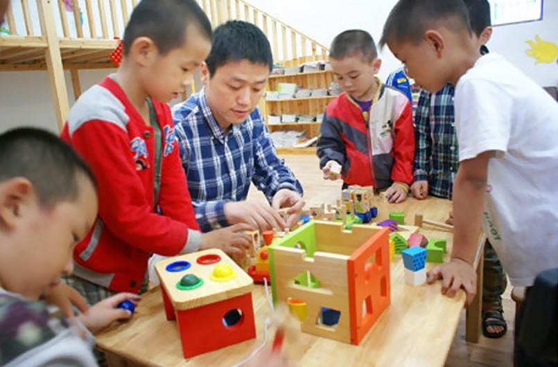 庆六一·伴成长,木玩传统献爱云和幼儿园